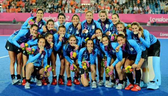 MEDALLA DE PLATA PARA LAS LEONAS EN LONDRES!   Novedades   Confederación Argentina de Hockey