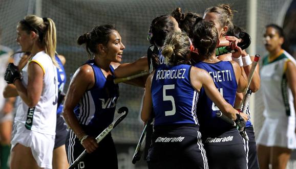 Las Leonas ganaron y son finalistas en Paraná