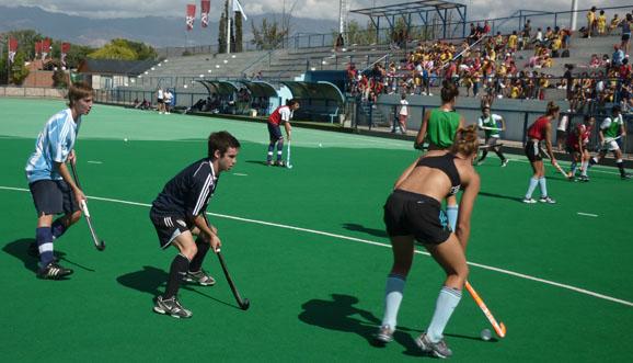 Las Leonas entrenaron con los juveniles de Mendoza