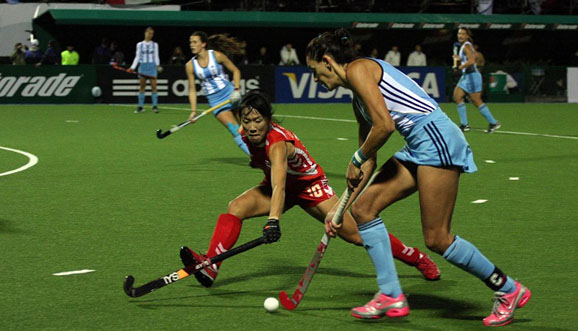 Argentina va por el primer triunfo