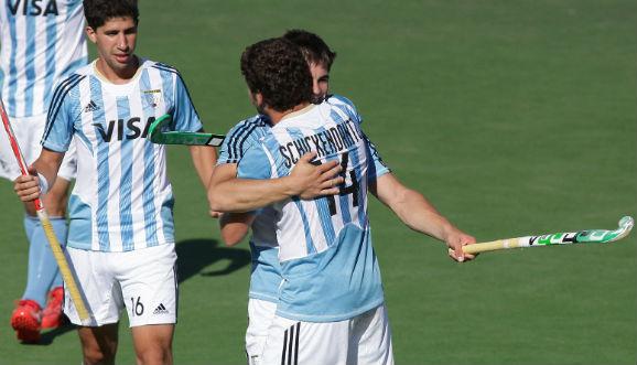 Argentina enfrenta a Canadá por un lugar en semis