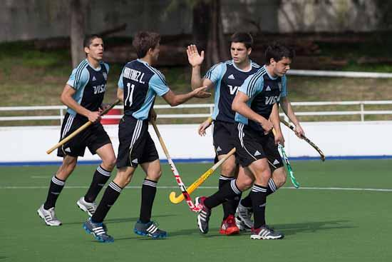 ¡Argentina goleó y estará en India 2013!